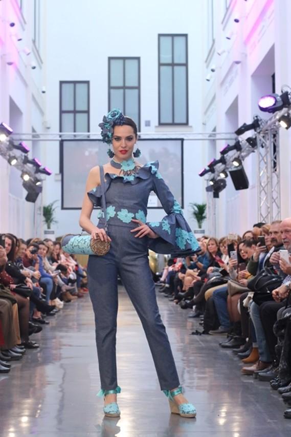 63886fe35 Los desfiles de moda flamenca, primera jornada de FIMAF - Las Tardes ...